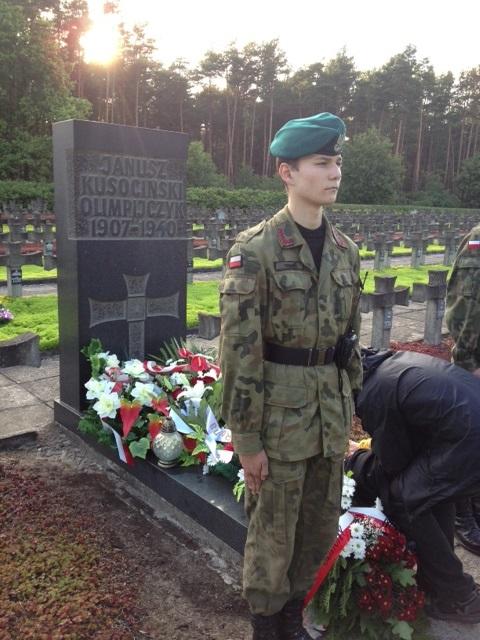 złożenie kwiatów na grobie Janusza Kusocińskiego
