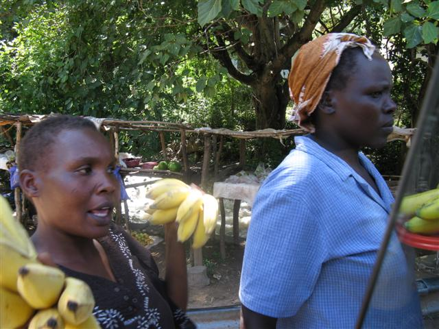 kenia-podroz-gizynski-3-3-2010_banany