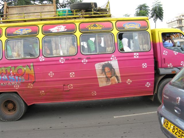 kenia-podroz-gizynski-3-3-2010_matatu