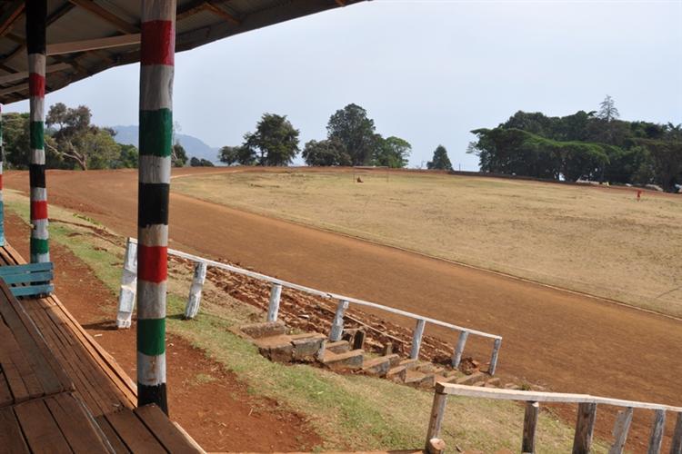 stadion-kenia-2011-gizynski (1)