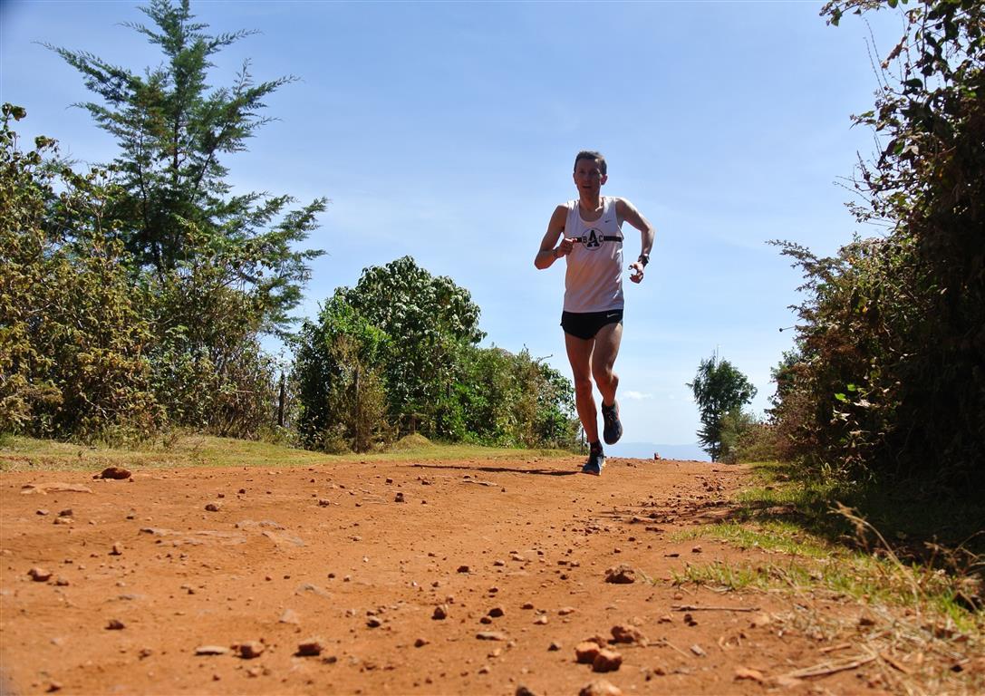 Mariusz_Gizynski_Kenyan_road (Medium)